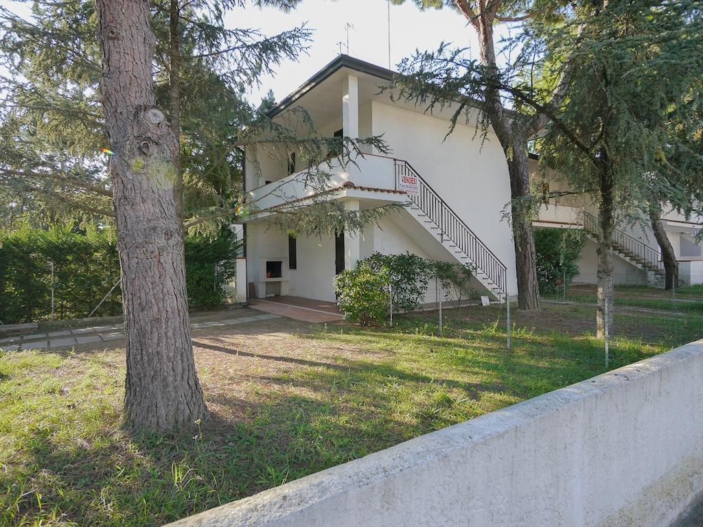 Villa ladino primo piano due camere letto in affitto for Camere affitto